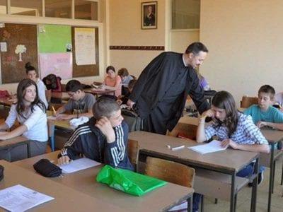 Pre 20 godina u škole u Srbiji je uvedena veronauka
