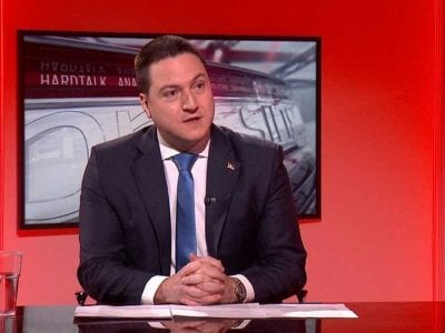 Ministar prosvete Branko Ružić